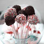 Kolorowe domowe lizaki, czyli jak zrobić pyszne cake pops!