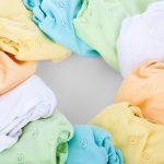 Jak usunąć tłuste plamy z ubrań i innych tkanin?
