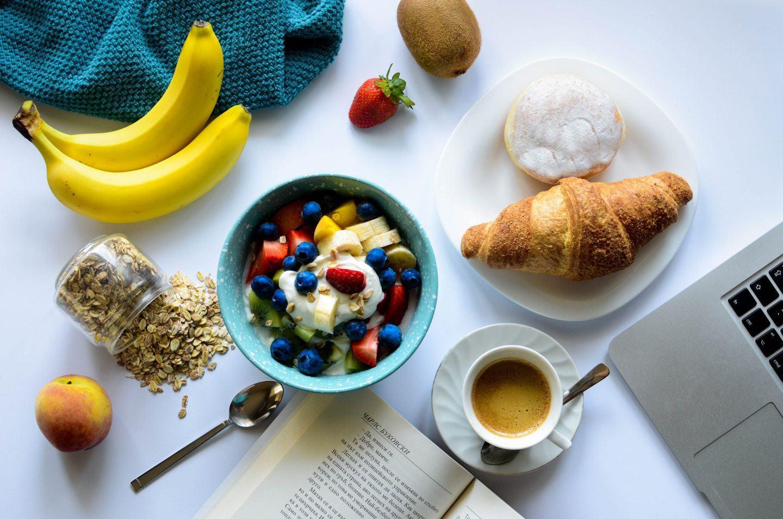Drugie śniadanie do pracy i do szkoły - dlaczego warto je jeść?