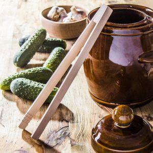 Drewniane szczypce kuchenne