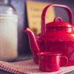 Jak usunąć kamień z czajnika – 6 sposobów pomagających odkamienić czajnik