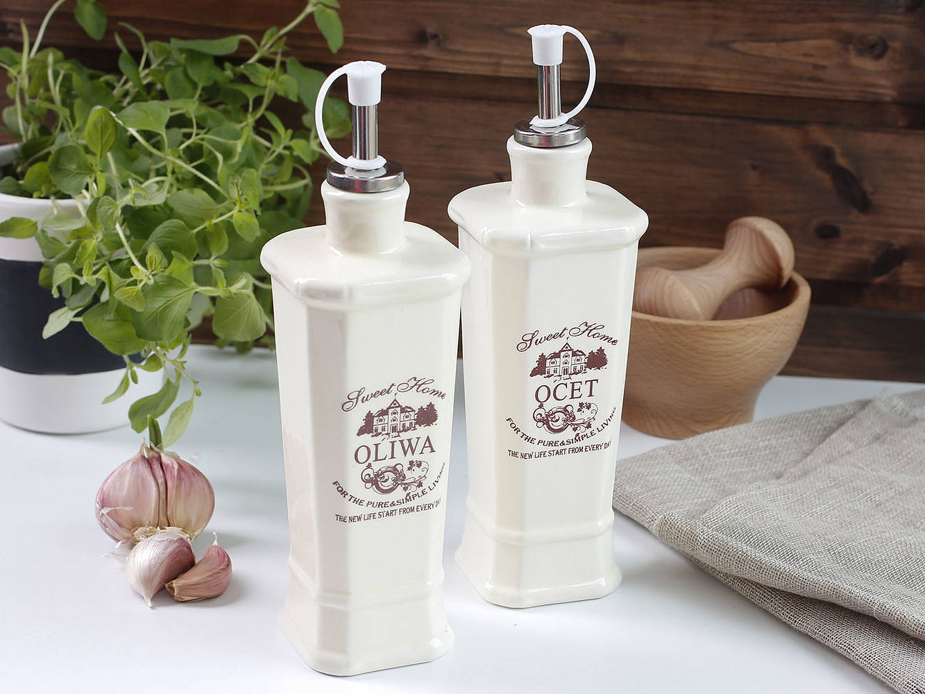 Ceramiczne pojemniki na oliwę i ocet Sweet Home