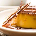 Niezastąpiony dodatek do deserów, czyli jak zrobić karmel?