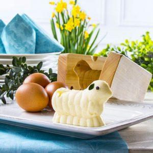Drewniana forma do baranka wielkanocnego z masła