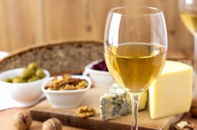 Jak podawać białe wino