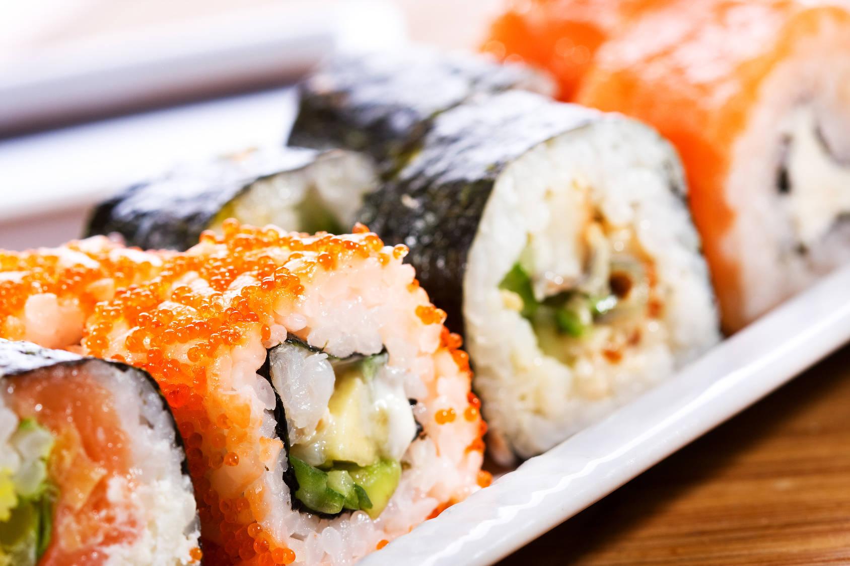 Ryżowe przekąski sushi