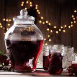 10 przepisów na domowego grzańca. Jak zrobić grzane wino, piwo i miód?
