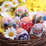 Co symbolizuje jajko, palma, baranek i zajączek? Znaczenie symboli wielkanocnych