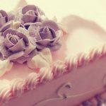 Dekorowanie tortu krok po kroku - przybory cukiernicze do dekoracji tortów