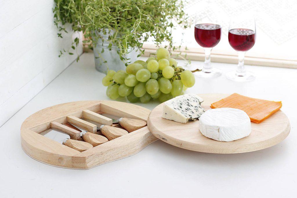 Deska do serów i wędlin z nożami Gouda