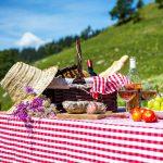 Przekąski na garden party - jak przygotować letnie przyjęcie w ogrodzie!