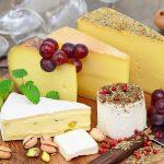 Jak przygotować deskę serów z dodatkami?