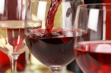 Jak podawać czerwone wino?