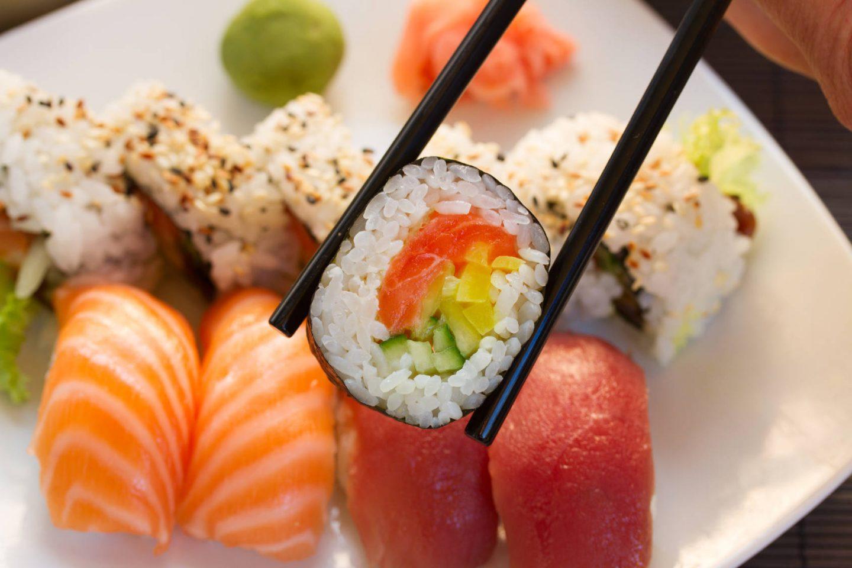 Jak zrobić dobre sushi w domu? Instrukcja krok po kroku