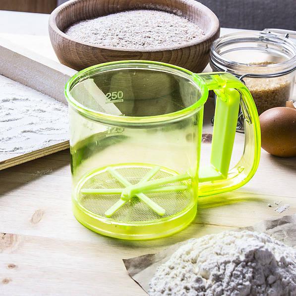 Przesiewacz do mąki plastikowy zielony