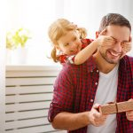 13 pomysłów na prezent dla Taty na Dzień Ojca. Co kupić Tacie?