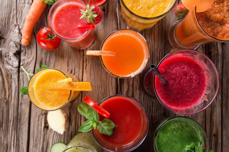 Świeżo wyciskane soki warzywno-owocowe – dlaczego warto je pić na zdrowie?