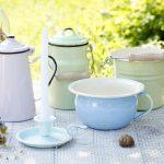 Kuchnia w stylu retro – naczynia emaliowane z duszą