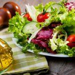 Sałata – kalorie, witaminy i wartości odżywcze
