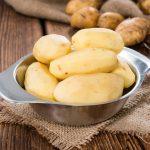 Cenna woda z gotowanych ziemniaków – dlaczego nie należy jej wylewać?