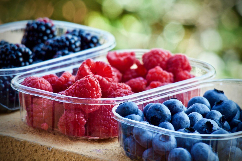 Owoce sezonowe na lato – kalendarz