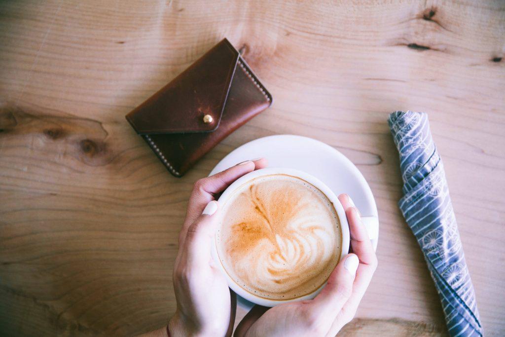 Modne latte różane