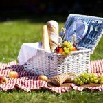 10 pomysłów na pyszne przekąski na piknik