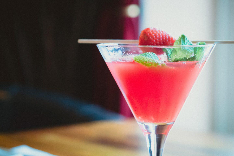 Szklanki do drinków i koktajli – rodzaje