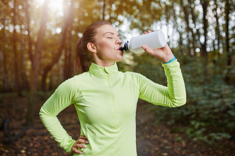 Jaki wybrać bidon sportowy i na co dzień - na wodę i napoje? Przegląd