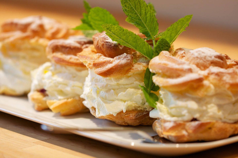 Ciasto ptysiowe – jak zrobić pyszne ciasto na ptysie i eklery?