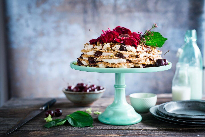 Jak zaserwować tort, ciasto i owoce? Przegląd pater