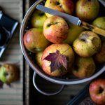 5 pomysłów na pieczone jabłka w piekarniku. Proste przepisy