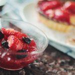 Jak zrobić galaretkę owocową domowym sposobem? Domowa galaretka na ciasto i do deseru