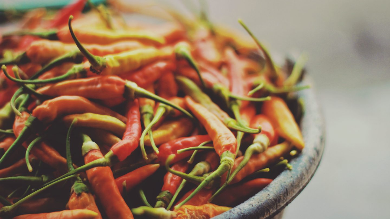 Jak zmniejszyć ostrość potrawy? Sposoby na za ostre danie