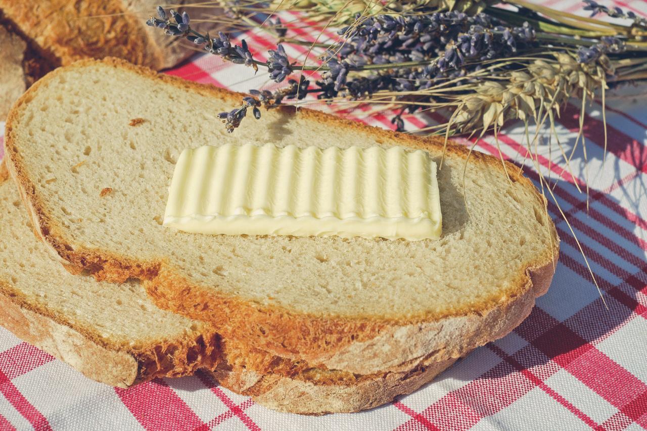 Masło czy margaryna? Co jest zdrowsze do smarowania pieczywa?