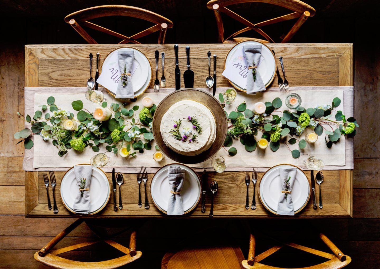 Zasady savoir-vivre przy stole wigilijnym. Dobre maniery na święta i nie tylko