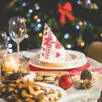 Jak nakryć stół wigilijny? Tego nie może zabraknąć na świątecznym stole!