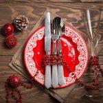 Zastawa stołowa nowoczesna czy tradycyjna? Jaki serwis obiadowy wybrać na święta?
