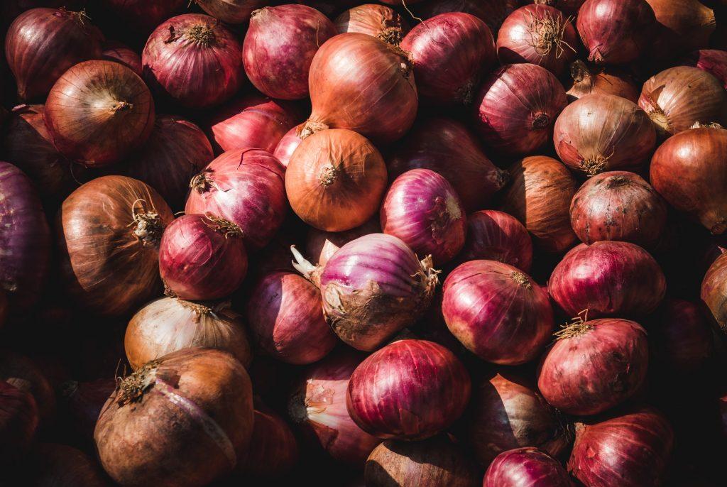 Cebula - zdrowe warzywa na zimę