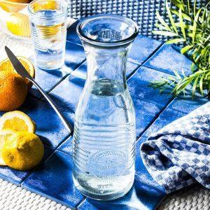 Karafka szklana do wody i soku