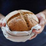 Chlebak na pieczywo ceramiczny, metalowy, plastikowy czy drewniany? Jaki chlebak jest najlepszy?
