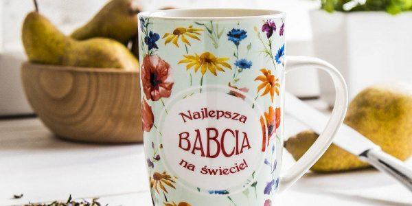 kubek-porcelanowy-z-napisem-najlepsza-babcia-na-swiecie-pistacjowy-400-ml