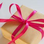 Praktyczny prezent dla babci i dziadka. Co kupić dla dziadków?