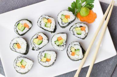 Jaki zestaw naczyń do serwowania sushi wybrać?