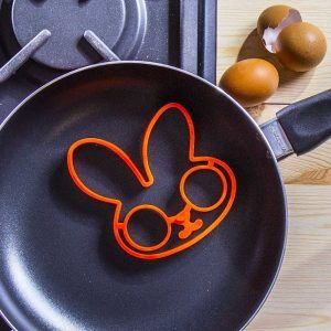 Foremka silikonowa do jajek sadzonych Bunny