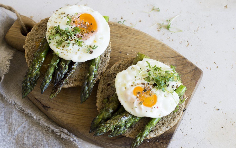 10 pomysłów na dania ze szparagami – Przepisy idealne na obiad!