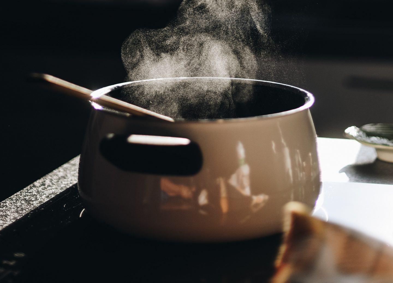Jakie garnki są najzdrowsze? Poznaj zdrowe i bezpieczne garnki do gotowania