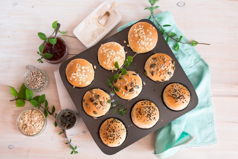 Bułeczki pszenne na drożdżach - przepis na śniadanie
