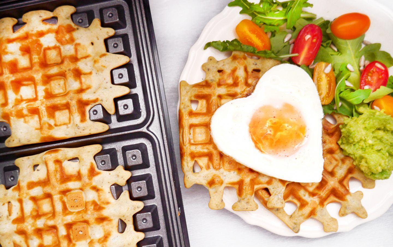 Wytrawne gofry z jajkiem sadzonym i guacamole - przepis