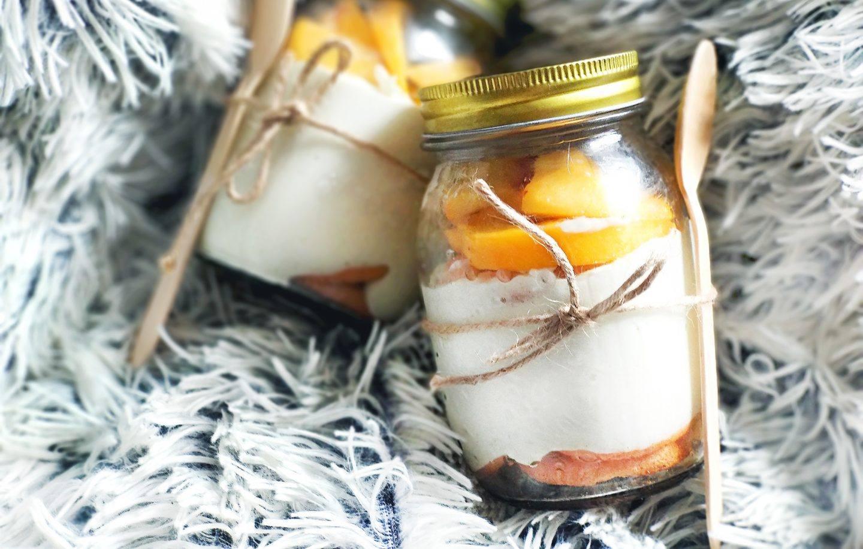 Mini serniki z brzoskwiniami w słoiczku - przepis